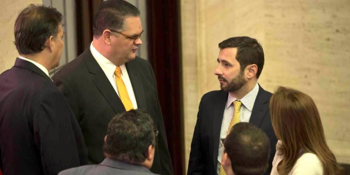 Cuestionan a dos senadores populares por dar visto bueno a proyecto cenizas