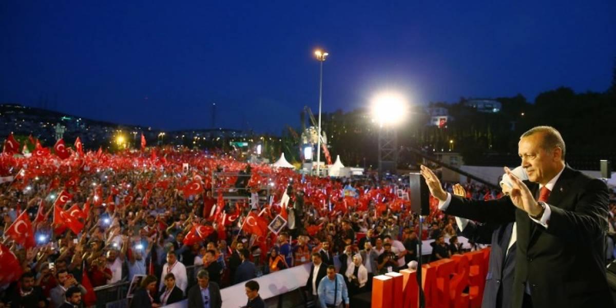 Erdogan se cuela en los teléfonos turcos para dar un mensaje antigolpista