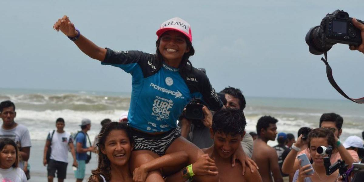 Maya Larripa, la reina del Surf Open Acapulco 2017