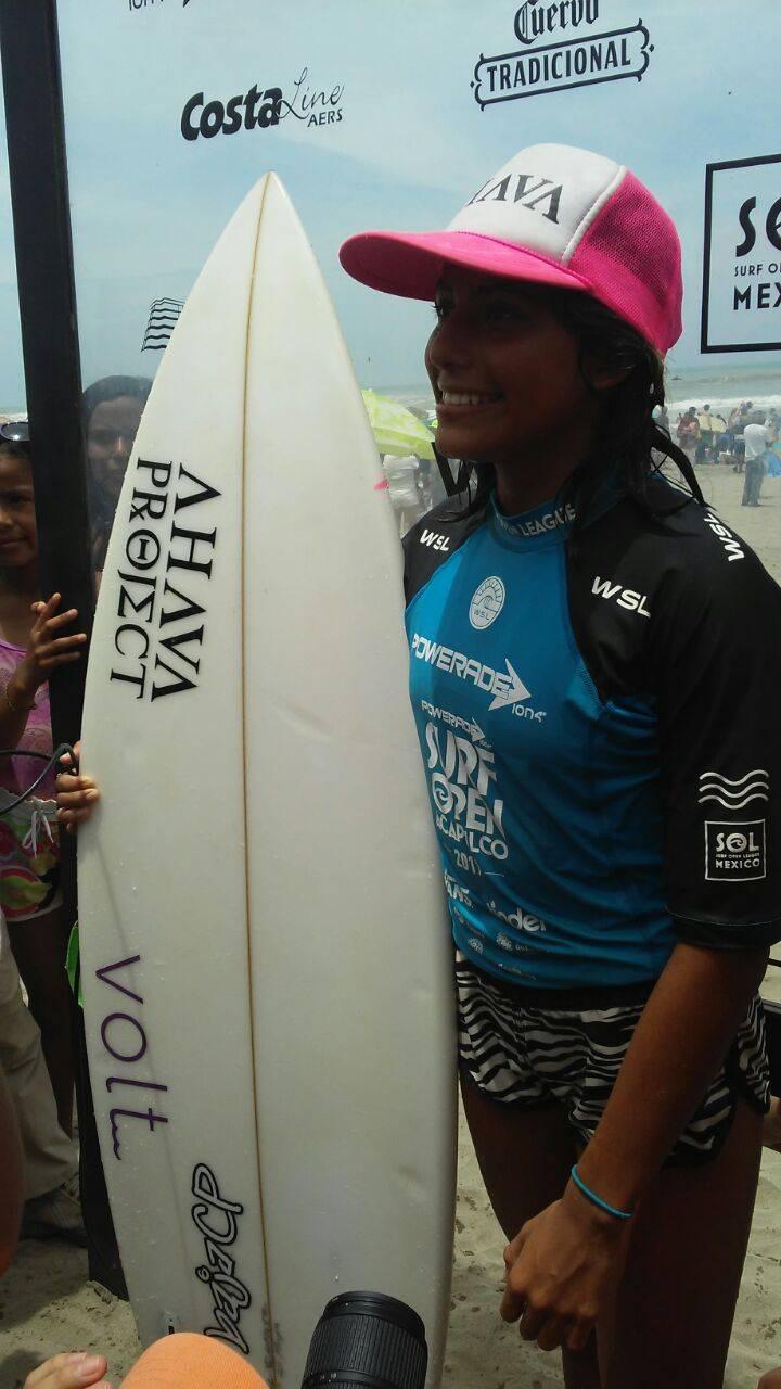 Maya Larripa Vania Guillén