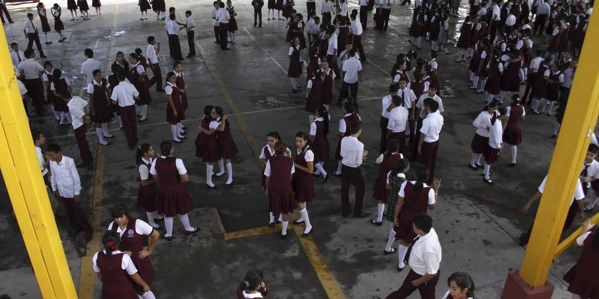 Derechos Humanos de Nuevo León pide no condicionar la inscripción de alumnos al pago de cuotas