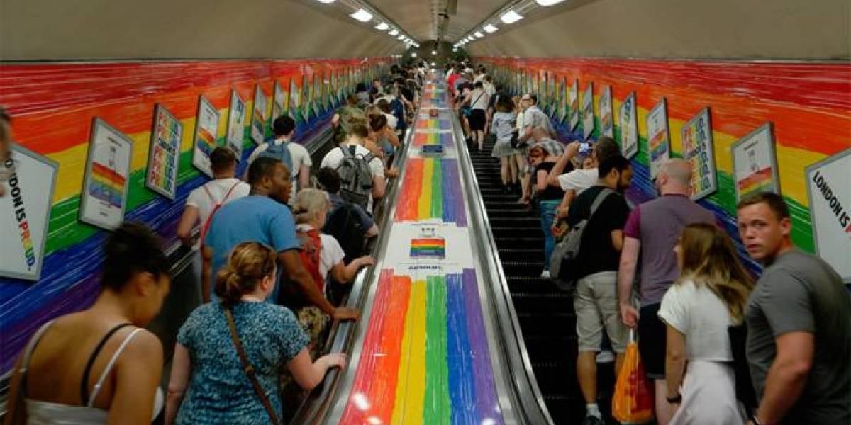 Metro de Londres cambia el 'damas y caballeros' por el 'hola a todos'