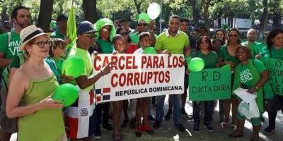 Dominicanos piden en Madrid el fin de la
