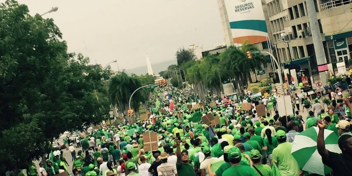 Marcha Verde recorre las principales calles del Distrito Nacional exigiendo fin de la corrupción RD
