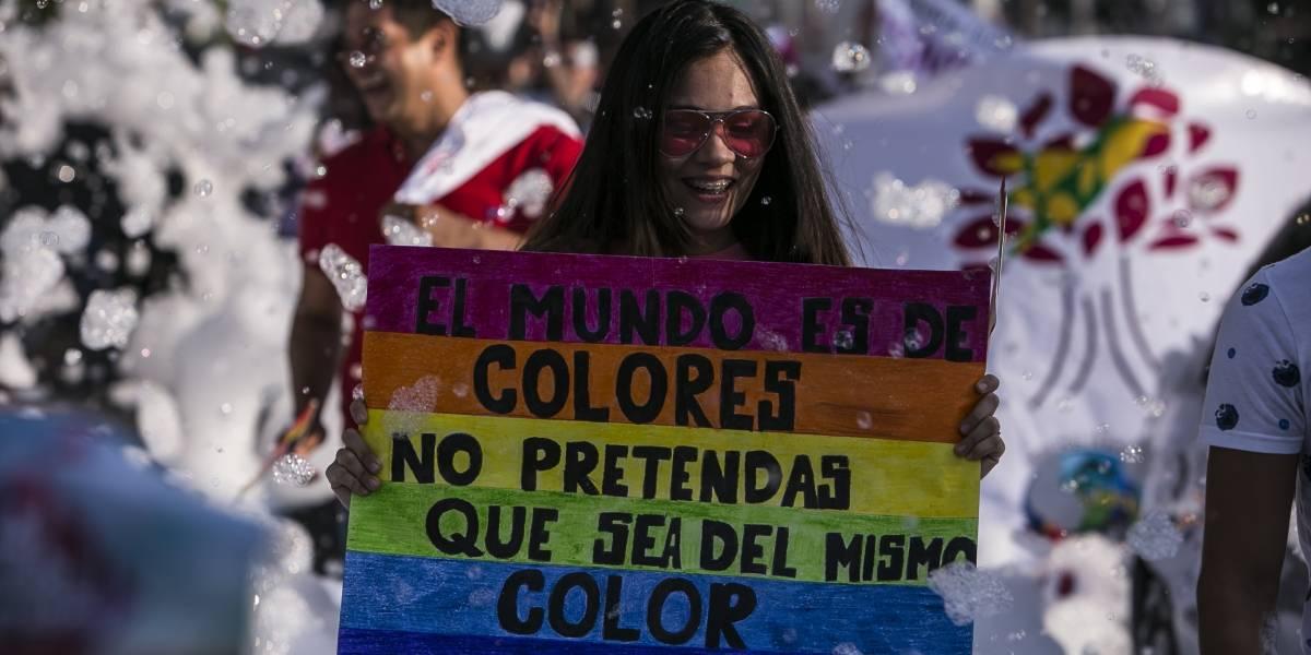 Congreso pide a INEGI ampliar información de comunidad gay en censos