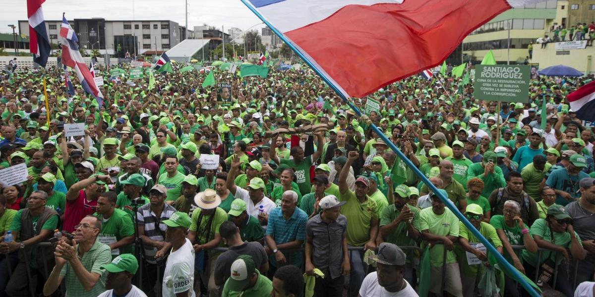 Miles marchan de verde en la capital y activan las redes
