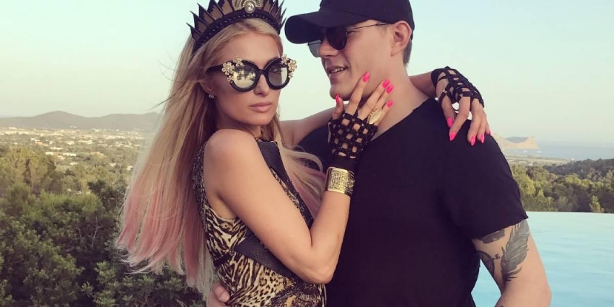 """FOTO. Paris Hilton presume el tatuaje que su novio se hizo """"por amor"""""""