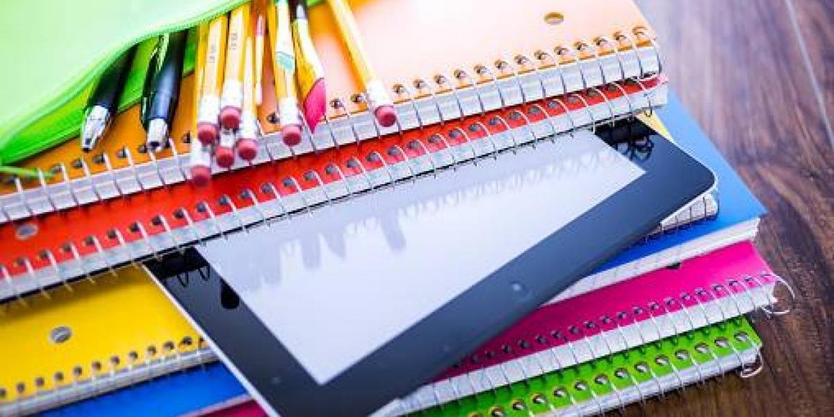 Entregan vales para compra de artículos escolares en Cataño