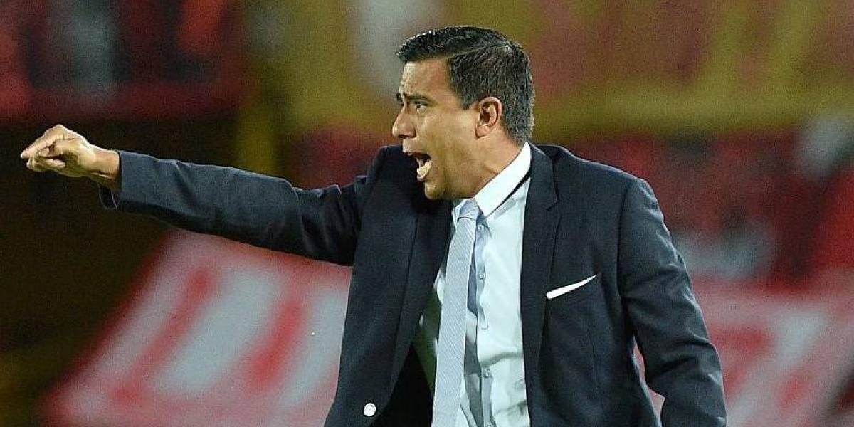 César Farías se defiende tras durísima sanción de dos años: