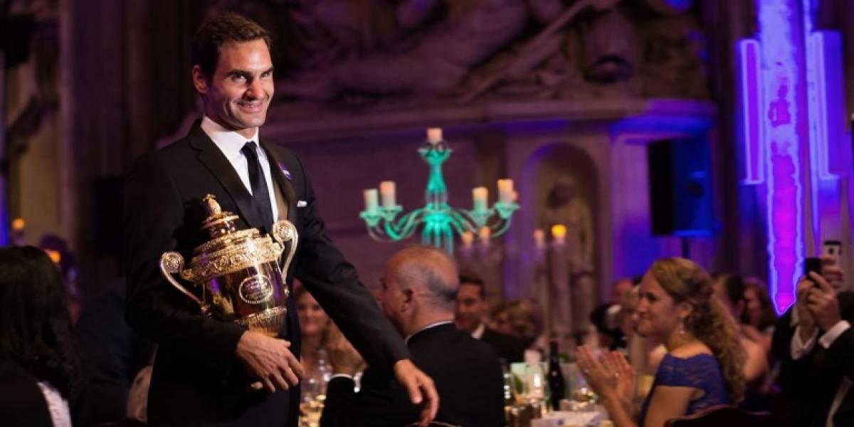 También es humano: Federer reconoció que se pasó de copas al celebrar su título en Wimbledon