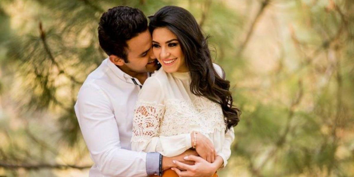 Con un apasionado beso, Christa García recuerda su boda con Carlos Peña