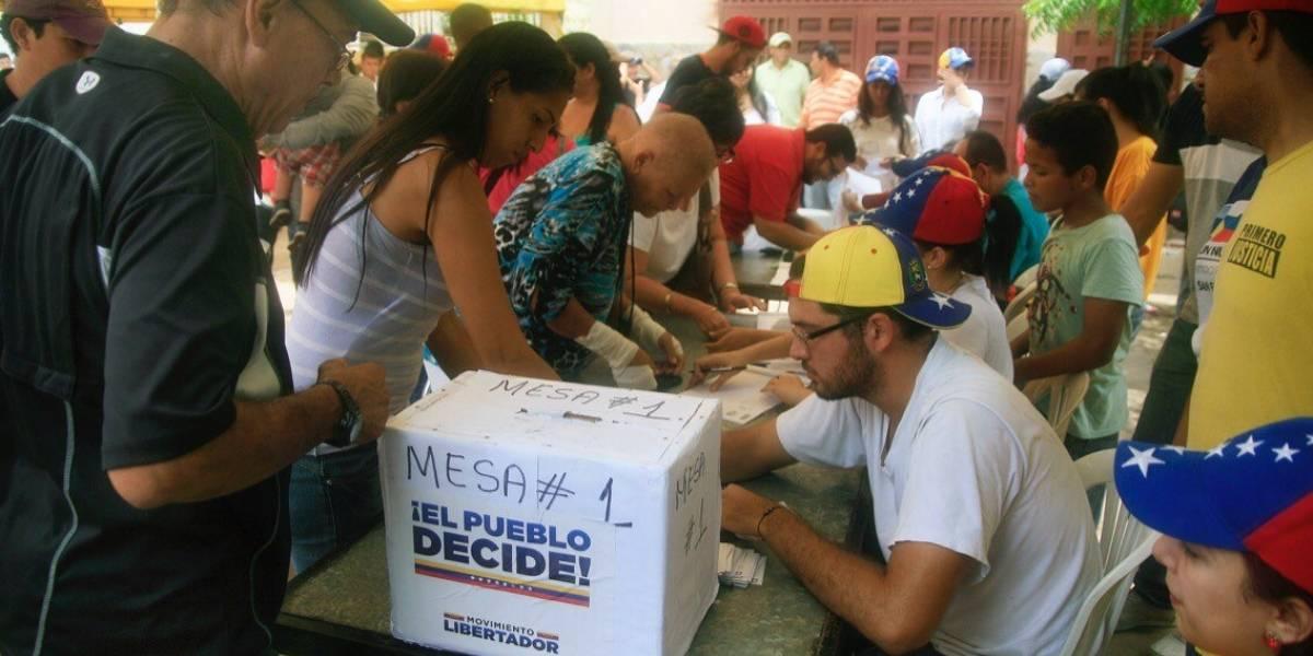 Gobierno venezolano descalifica resultados de la consulta popular