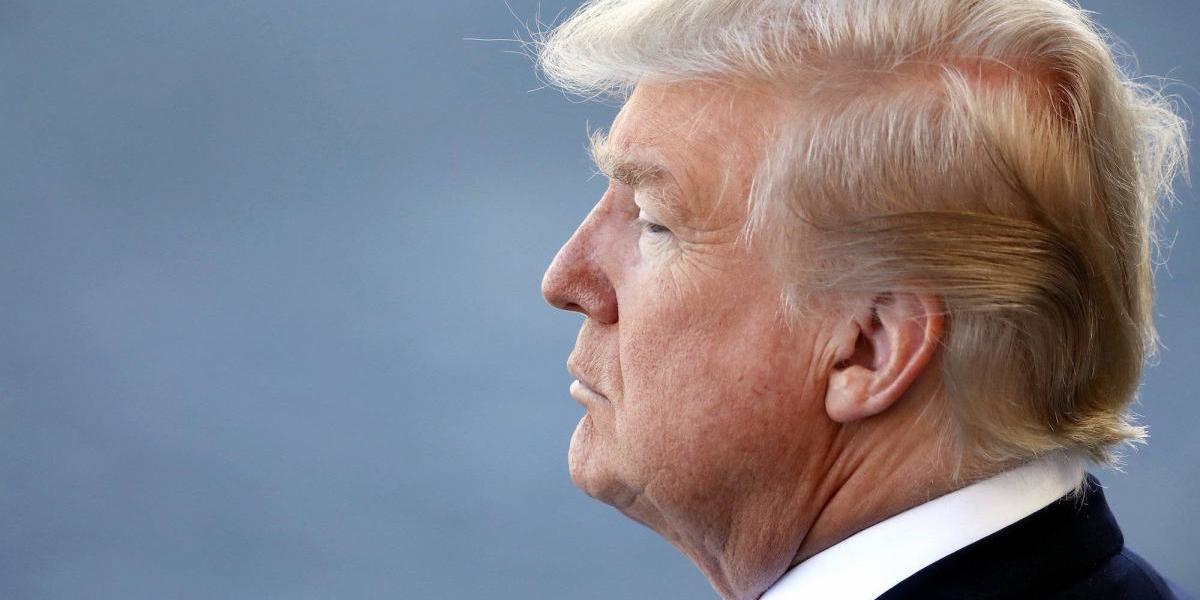 Trump arremete contra los demócratas y los culpa por fracaso de proyecto de salud