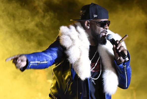 Escándalo del rapero R Kelly: lo acusan de tener esclavas para culto
