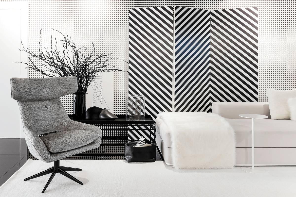 Leo Shehtman usou estampas e grandes áreas de branco para suavizar o preto na decoração | Divulgação