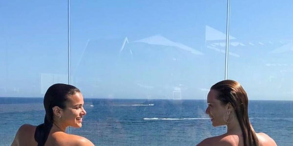 Bruna Marquezine e Mariana Ximenes fazem topless em Ibiza
