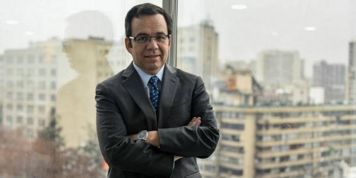 """Ministro Céspedes: """"Ahora el Sernac podrá sancionar a las empresas"""""""