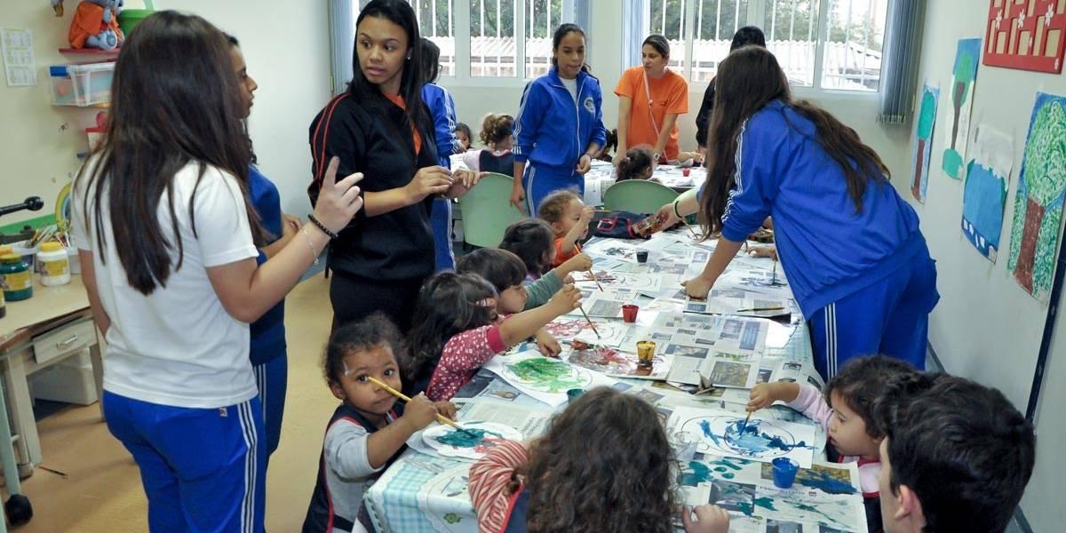 Escolas estaduais de São Bernardo ganham 'madrinha'
