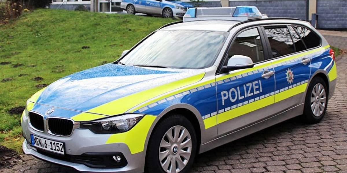 Policía alemana detiene a un hombre que ingresó armado a una escuela