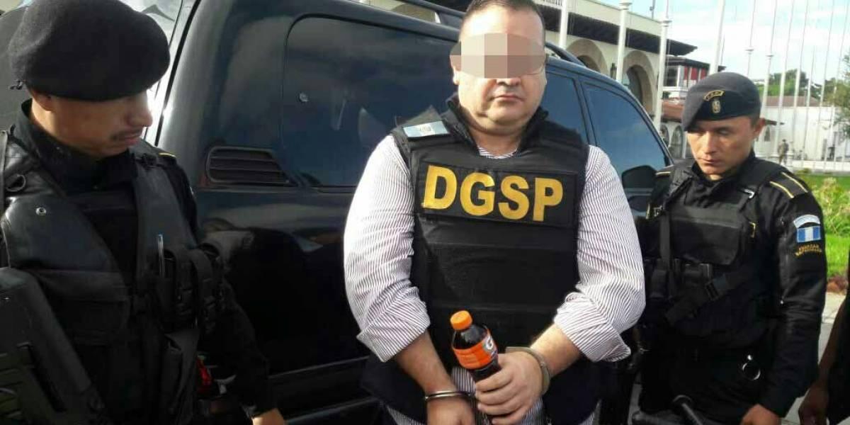 Duarte espera en base militar su extradición a México