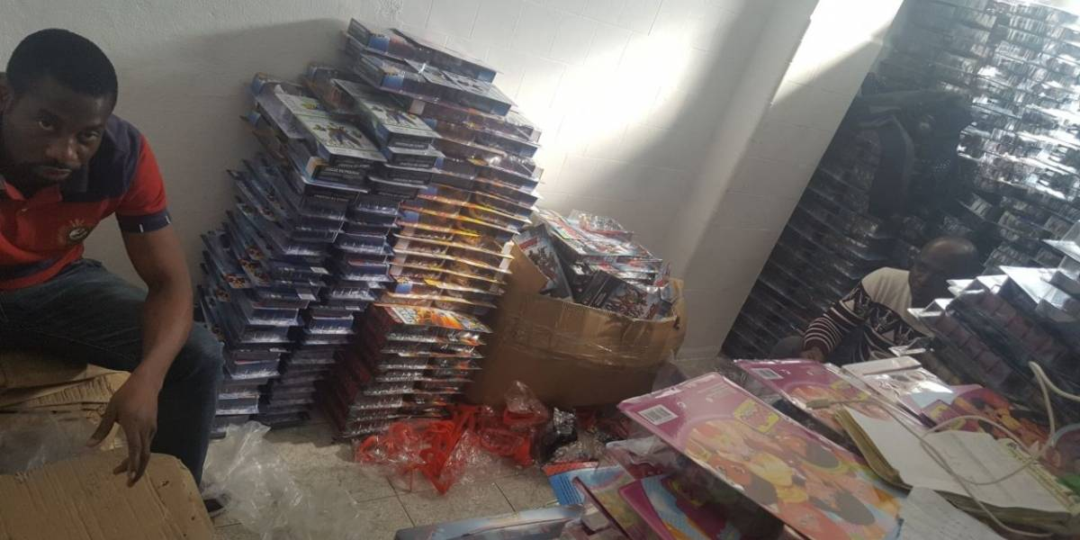 Prefeitura de SP encontra mercadorias falsas e imigrantes em situação análoga à escravidão
