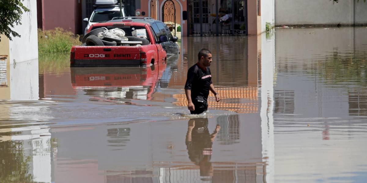 Desbordamiento del río Tepatitlán causa diversas afectaciones en todo el municipio