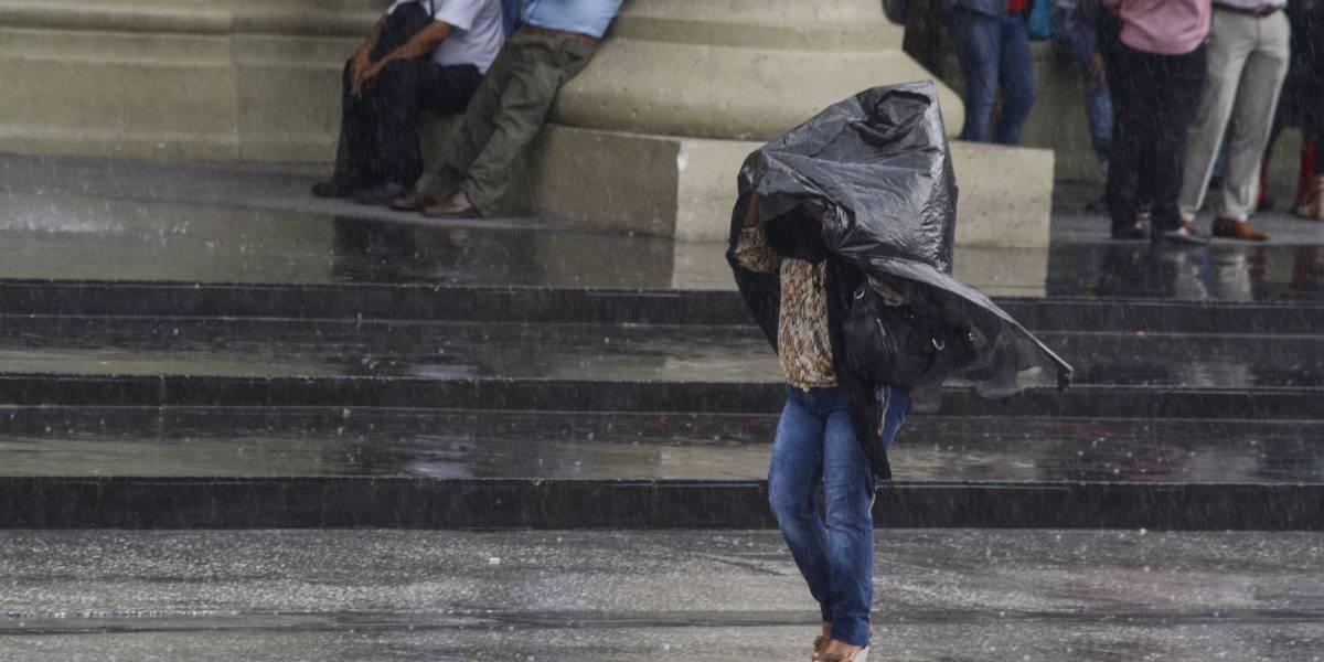 Prevalecerán fuertes lluvias en gran parte del país
