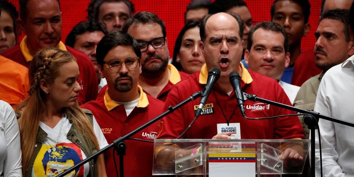 Oposição da Venezuela convoca greve para quinta-feira em protesto contra Maduro
