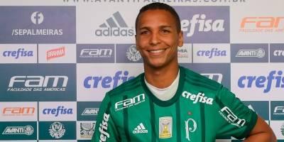 'Agora é fazer tudo o que aprendi lá fora para ajudar o Palmeiras', diz Deyverson