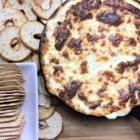 Dip de cebolla con queso fundido