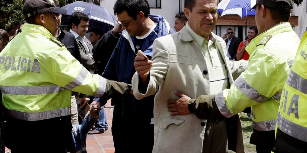 ¡Increíble! Capturan a un policía que participaba en una banda de fleteros