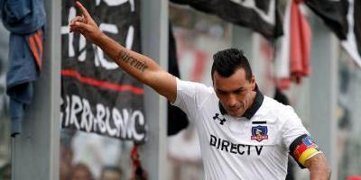 Esteban Paredes sorprende a Colo Colo: