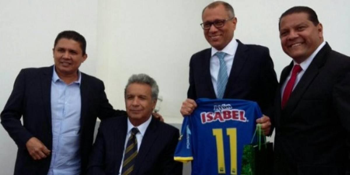 Lenín Moreno felicita al Delfín SC