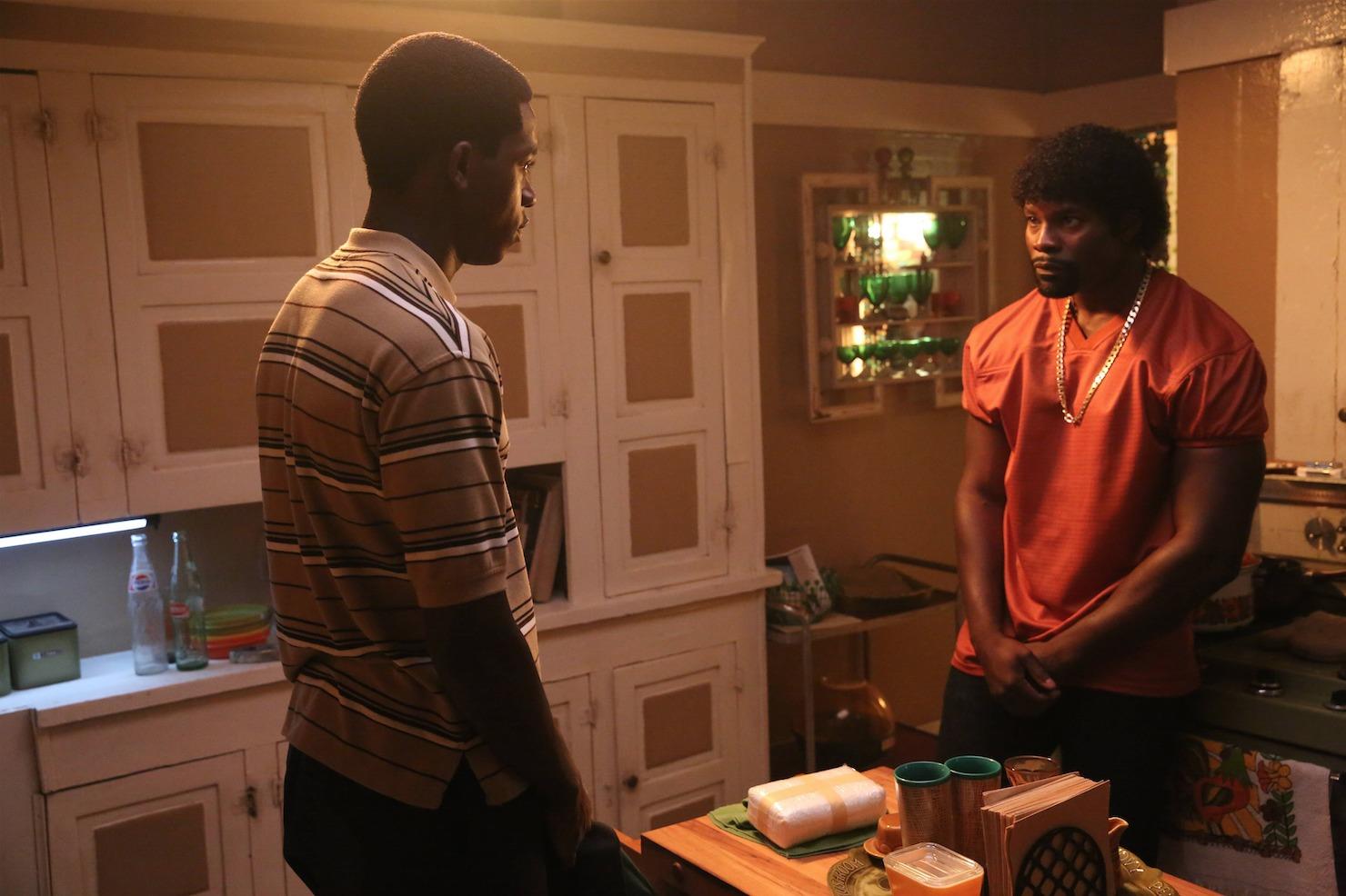 """Damson Idris interpreta a Franklin Saint en la serie """"Snowfall"""" I Foto: FX"""