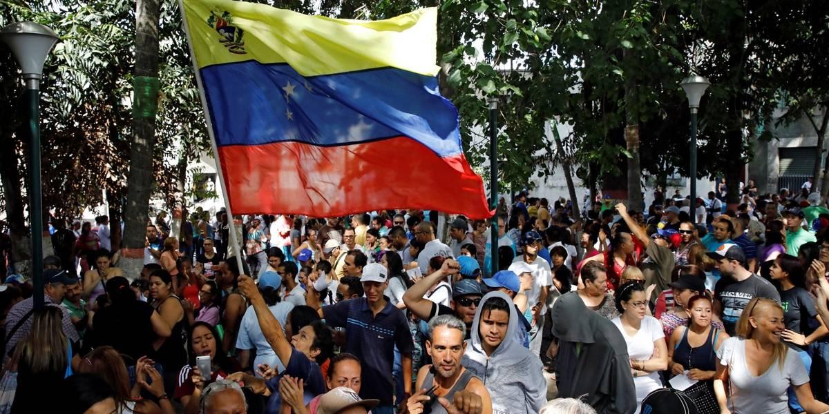 Em plebiscito informal, 98% dos venezuelanos rejeitam Maduro