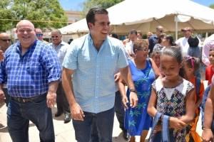 Gobernador revisa preparativos para el año escolar en Vieques
