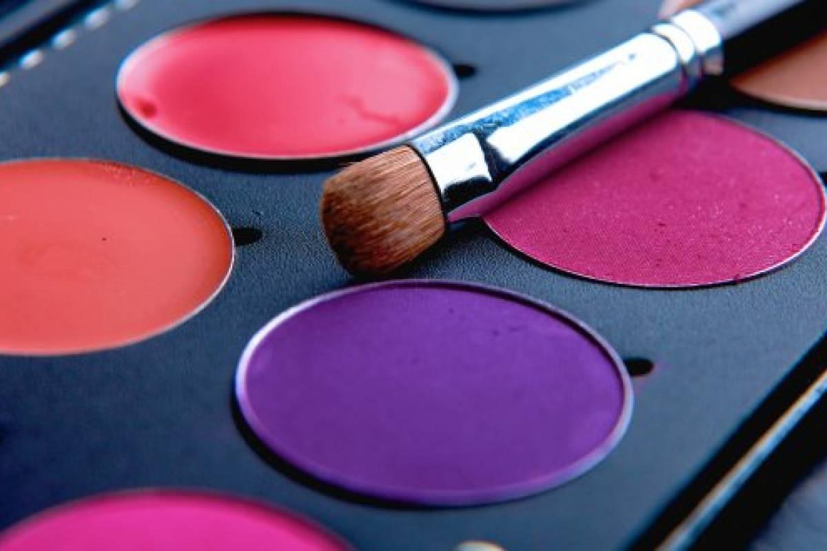 Maquillaje para Navidad: colores de sombras para complementar tu ...