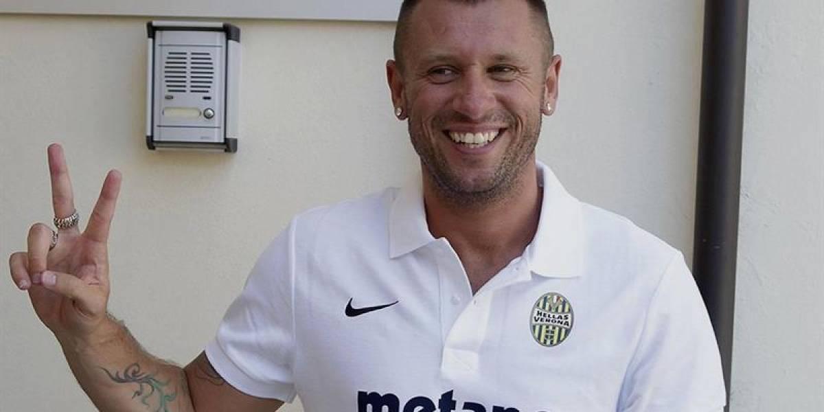Cassano está loco: firma por Verona, ocho días después se retira y ahora dice que seguirá jugando