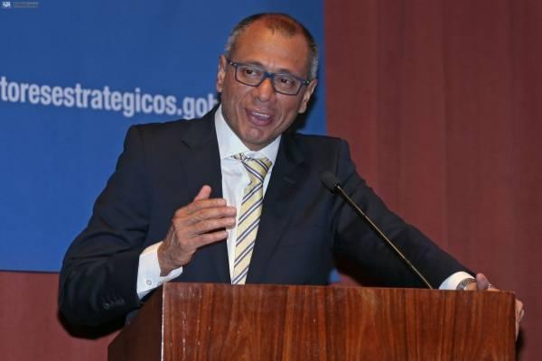 Jorge Glas denunció la posible aplicación de un paquetazo
