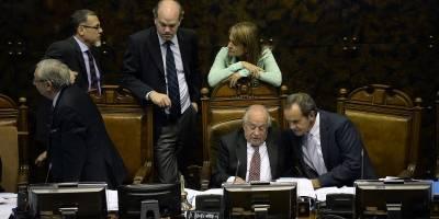 Senadores rechazan polémica indicación de Zaldívar — Aborto