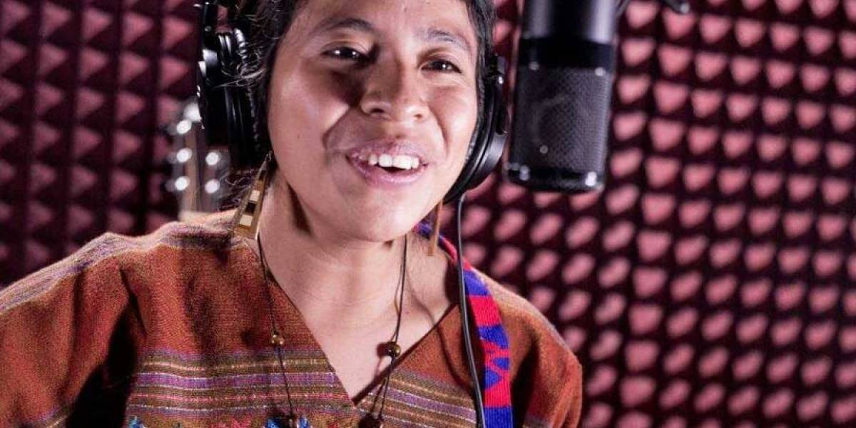 """Sara Curruchich: """"Se sigue asumiendo que las mujeres indígenas solo debemos estar como 'servidumbre'"""""""