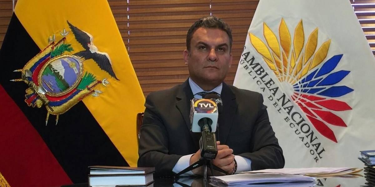 José Serrano no dejaría Alianza PAIS