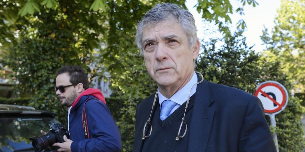 Detienen al presidente de la Federación Española de Futbol junto a su hijo