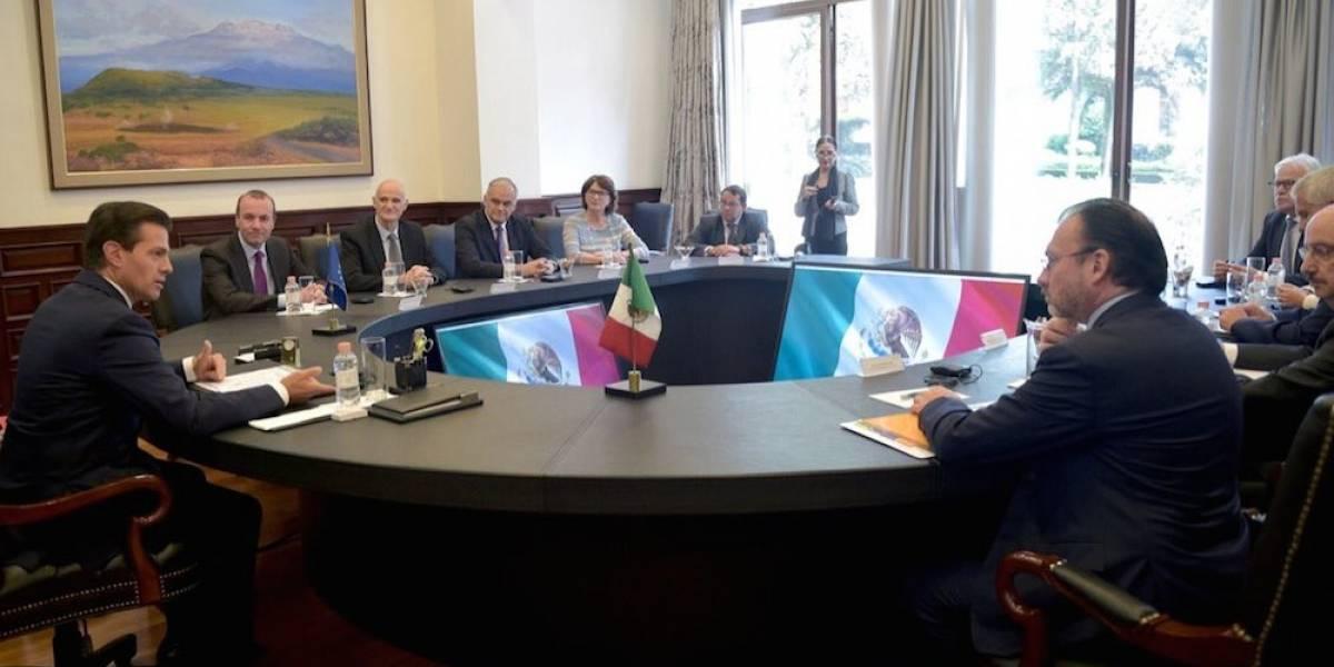 Peña Nieto se reúne con eurodiputados en Los Pinos