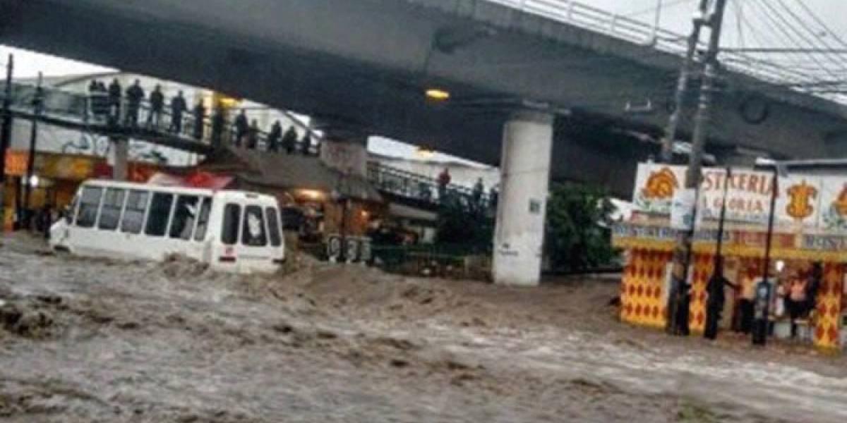 Suspenden servicio en L2 del Mexibús por inundaciones