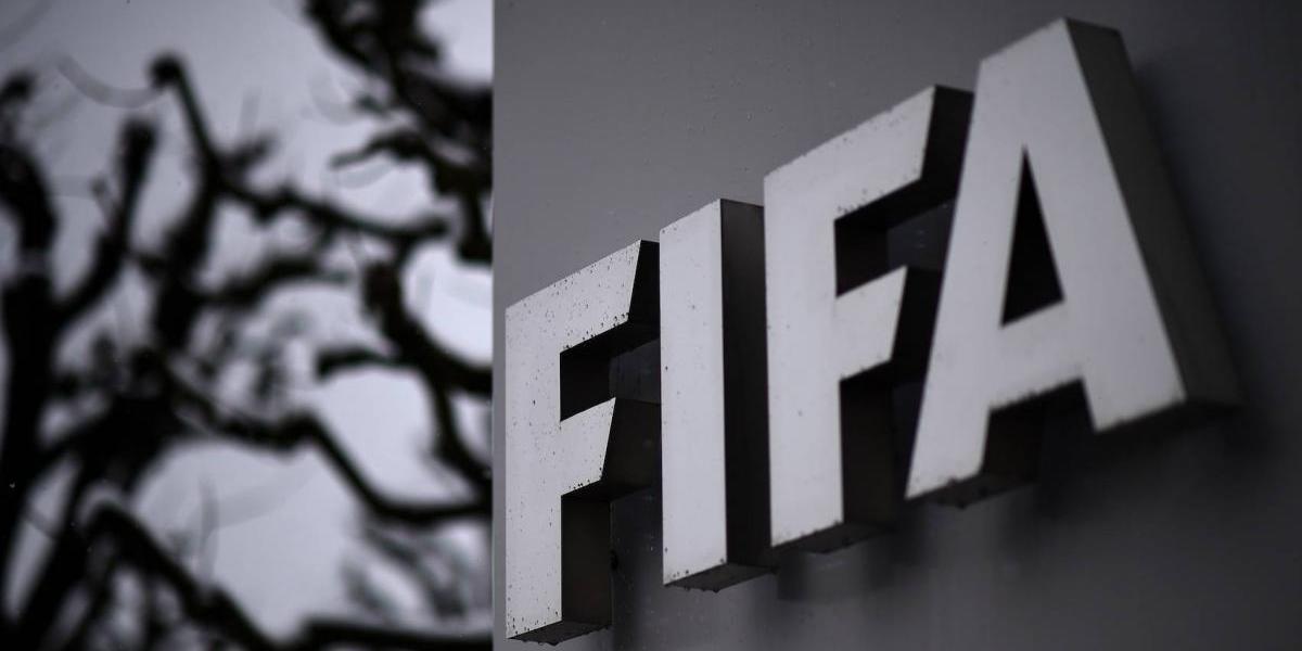 Nuevos arrestos por corrupción manchan a la FIFA