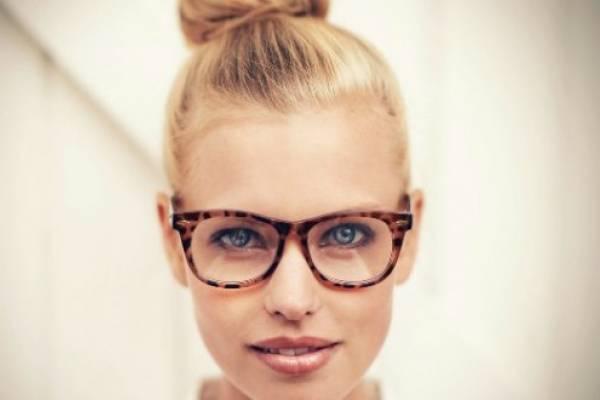 76487c4a95 Deja de romperte la cabeza, con esta guía sabrás qué tipo de lentes te  quedan a la perfección.