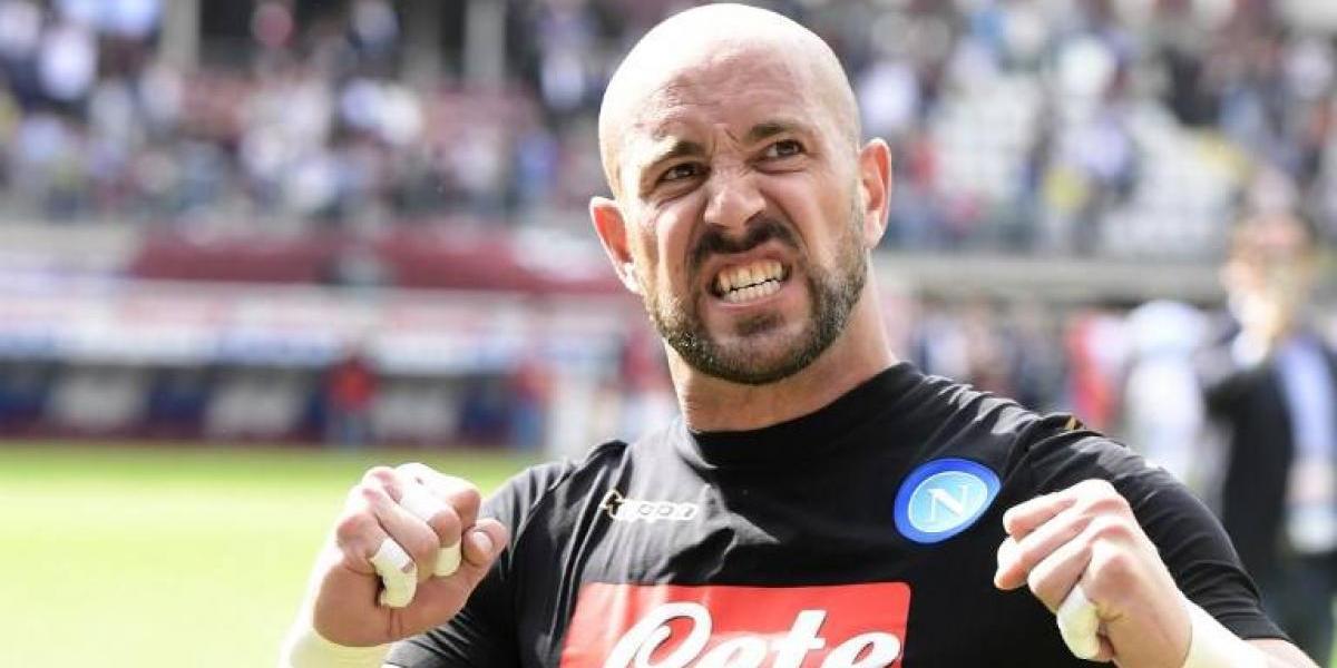 Respiro para Bravo: Napoli habría llegado a un acuerdo con Pepe Reina
