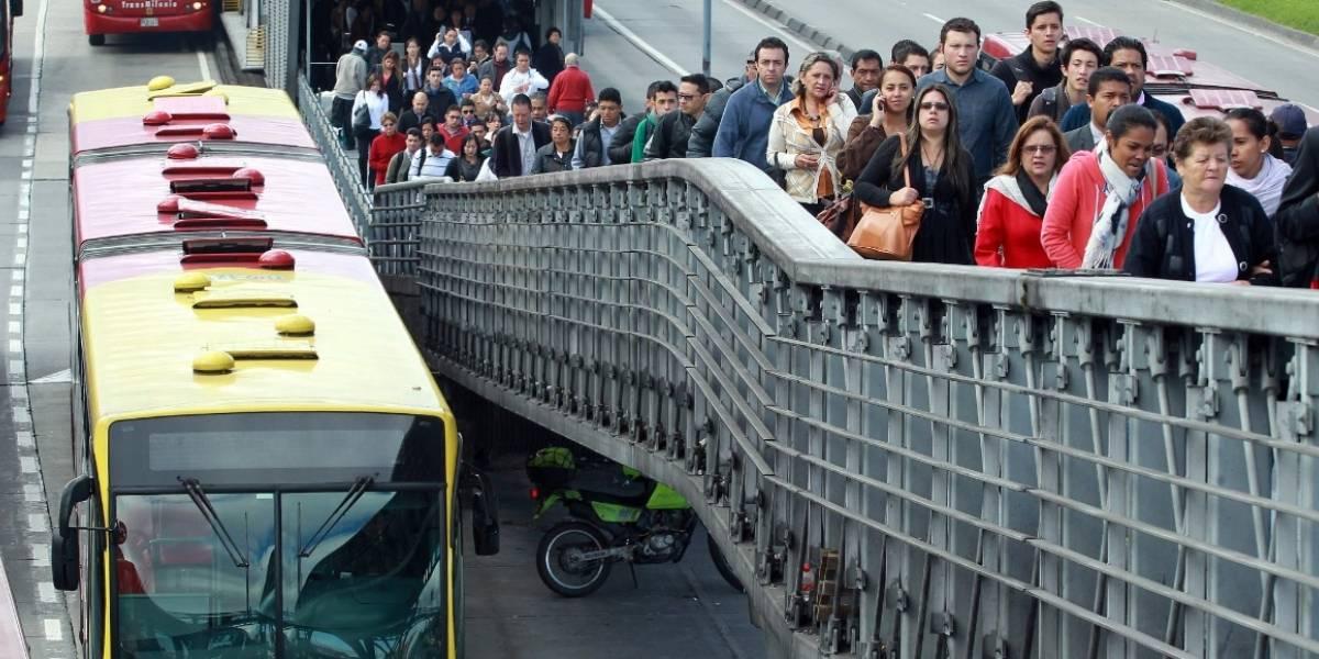 Otra joven universitaria atracada en puente de la estación 21 Ángeles