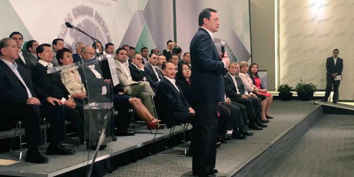 Osorio Chong pide 'tener fe' al proceso de la PGR contra Javier Duarte